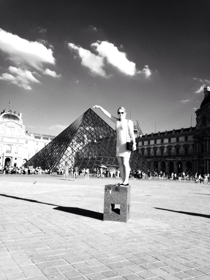 A summer version of my previous Louvre picture :D
