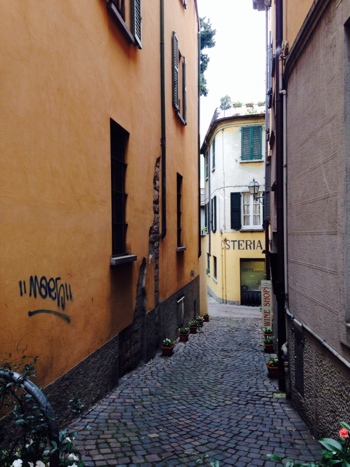 My eyes will never tire of looking at these pretty little alleys